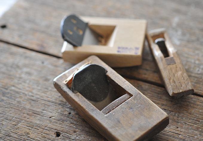 使い古した道具と共に - オーダーチェアのウィングジョイント